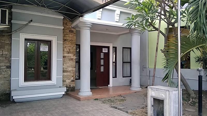 Dikontrakkan rumah tipe 48/105 Blok D1-9 Tiara Regency Sidoarjo
