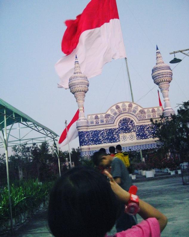 suasana saat lebaran di masjid 'Jin' di Malang Selatan beberapa tahun lalu